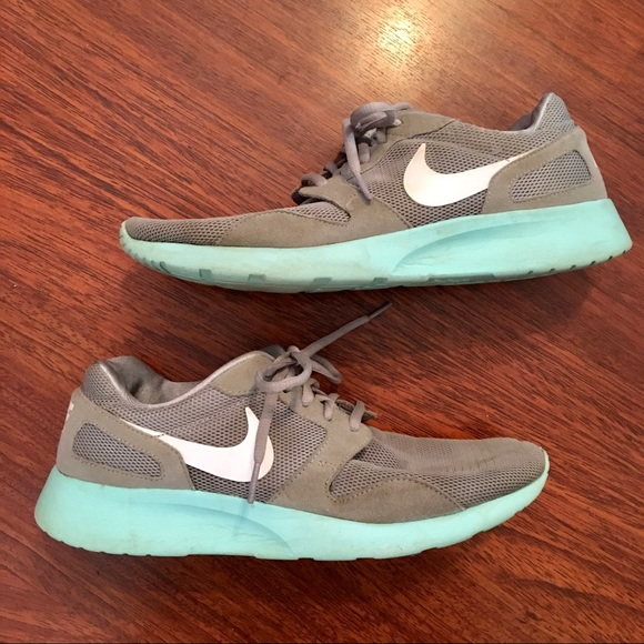 NIKE - Teal & Grey Runners